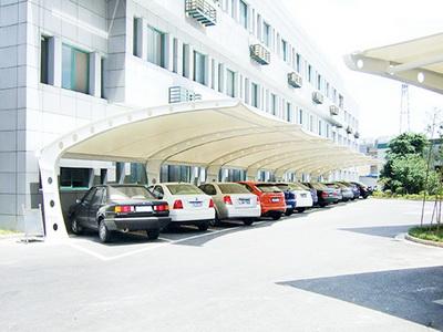 车棚遮阳工程报价,车棚遮阳工程膜结构价格