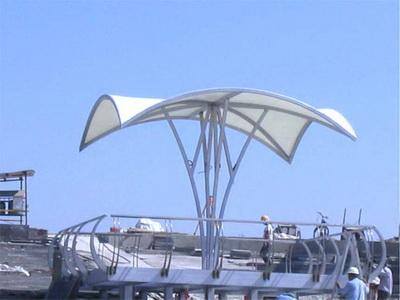 沿江风光带膜结构遮雨棚安装